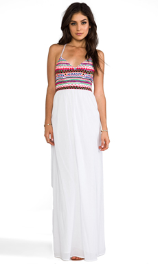 Pia Pauro Embroidered Halter Maxi Dress en Blanc