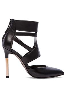 Pour La Victoire Zanie Heel in Black