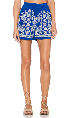 ROCOCO SAND Shorts in White & Blue Cross Stitch