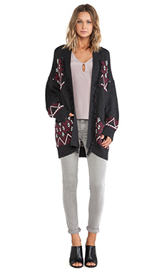Sanctuary Blanket Cardi Sweater in Charcoal & Port