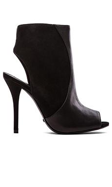 Schutz Quazar Heel in Black