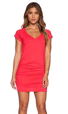SUNDRY V Neck Short Sleeve Dress in Cherry