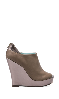 Seychelles Walking Tall Wedge in Taupe