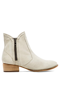 Seychelles Lucky Penny Boot in Off White