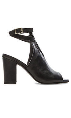 Seychelles Vibrant Bootie in Black