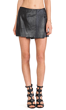 Shakuhachi Leather Skort in Black