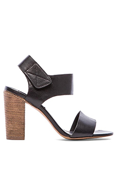 Steve Madden Confidence Sandal in Black Leather