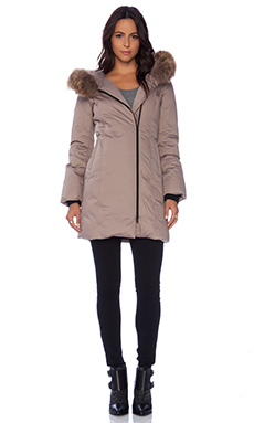 Soia & Kyo Lucinda Classic Down Coat with Asiatic Raccoon Fur in Taupe