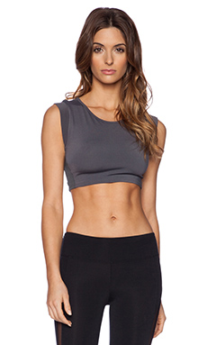 SOLOW Muscle Crop Top in Carbon