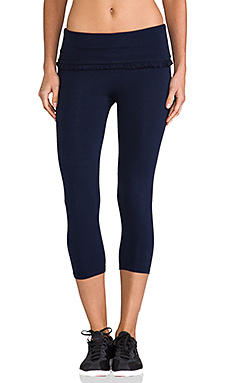 SOLOW Crop Ruffle Legging in Navy