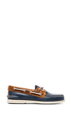 Sperry Top-Sider A/O 2-Eye Cyclone in Dark Blue & Tan