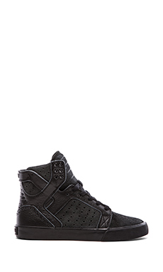 Supra Skytop Sneaker in Black