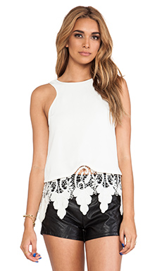 Style Stalker Engine Top in White