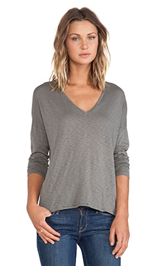 Stateside V Neck Long Sleeve Tee in Fern