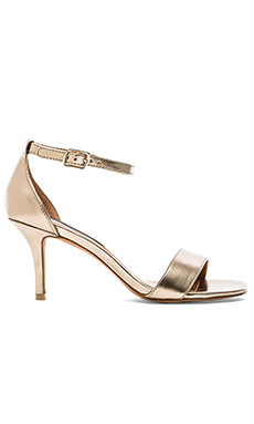 Steven Viienna Heel in Gold Metal
