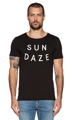 Scotch & Soda Shortsleeve Black & White Text Artwork Tee in Charcoal