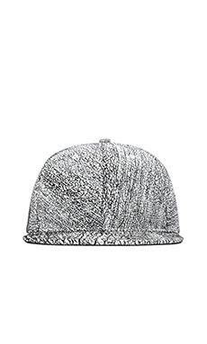 Stampd 6 Panel Crackle Hat in White/Black