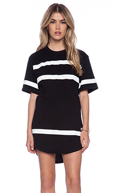 Stampd Thin Stripe Elongated Tee in Black