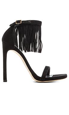Stuart Weitzman Love fringe Heel in Black