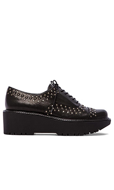Stuart Weitzman Zealous Oxford in Black