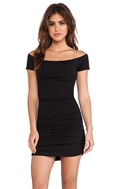 Susana Monaco Jona Off The Shoulder Ruched Tee in Black