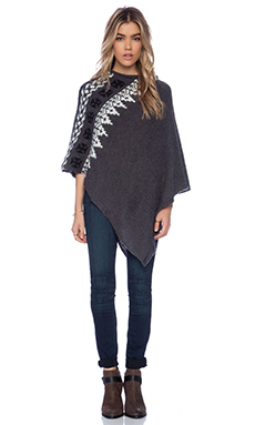 SUSS Yuna Poncho in Charcoal Combo