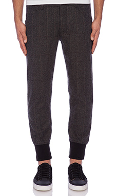 The New Standard Edition Charles Premium Jogger in Black/Charcoal