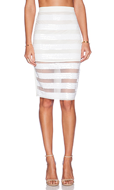 Three of Something Queen Of Hearts Skirt in White