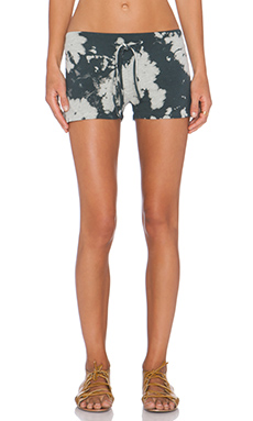une Freda V Short in Moonrock