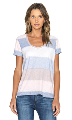 une Lacey Loose V Neck Tee in Wide Stripe