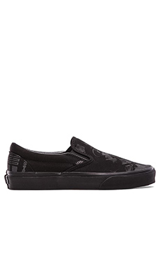 Vans x Star Wars Classic Slip on in Dark Side Darth Vader