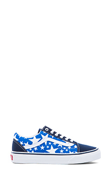 Vans Old Skool Sneaker in Dress Blues & True White