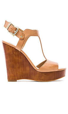 Vince Camuto Mathis Wedge in Almond Toast