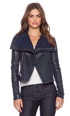 VEDA Max Classic Jacket in Navy