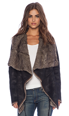 Velvet by Graham & Spencer Annabeth Sherpa Jacket in Black & Brown