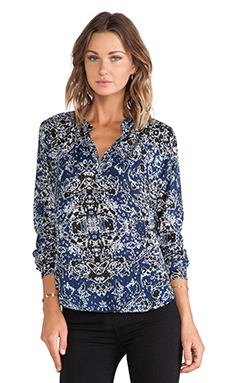 Velvet by Graham & Spencer Luca Printed Shirt in Twilight