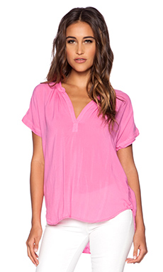 Velvet by Graham & Spencer Rayon Challis Chazmin Top in Pucker