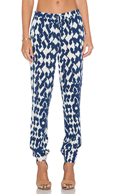 Vince Ikat Pant in Ink & off White