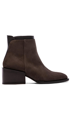 Vince Laura Boot in Umber & Black