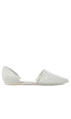 Vince Nina Flat in Optic White