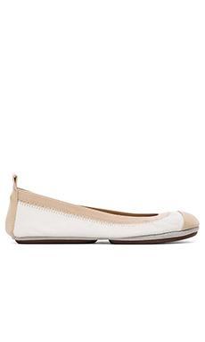 Yosi Samra Samantha Soft Leather Fold Up Flat in White/Biscotti