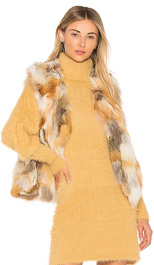 Adrienne Landau Natural Fox Vest in Beige. - size S (also in M)