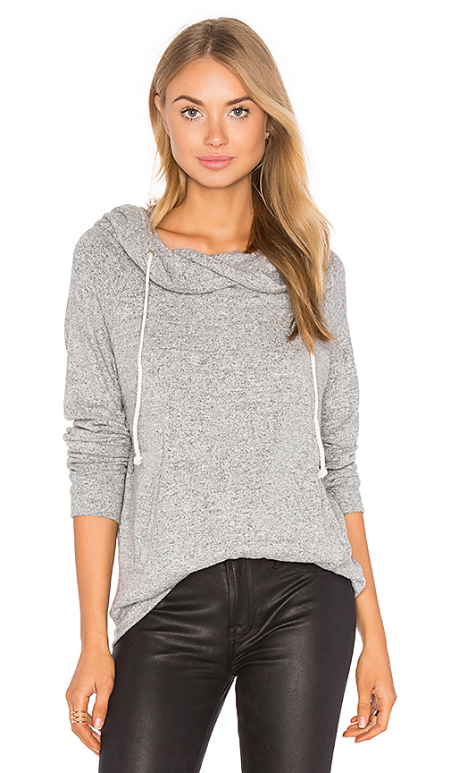 A Fine Line Canyon Sweatshirt in Grey. - size L (also in M,S)