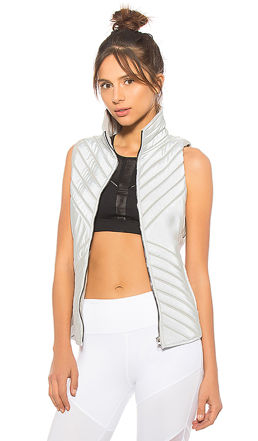 alo Reflective Puffer Vest in Gray