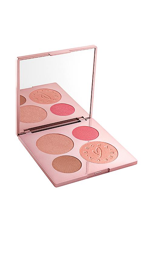 BECCA x Chrissy Teigen Glow Face Palette.