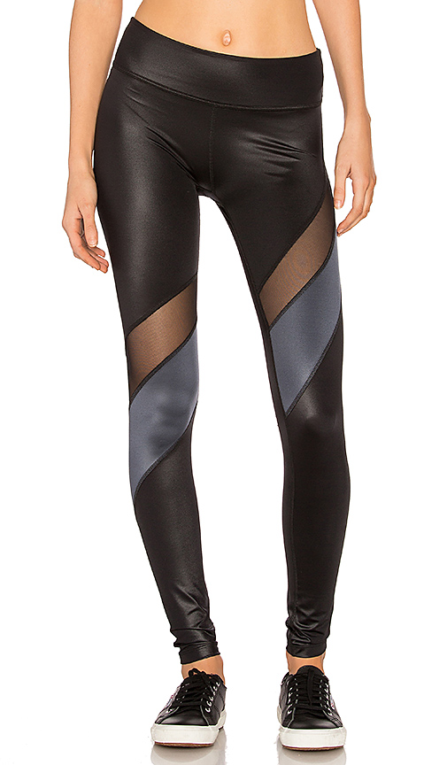 Beyond Yoga Gloss Over Waves Legging in Black. - size M (also in S)