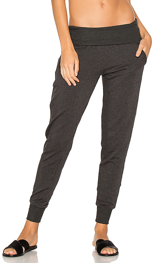 Beyond Yoga Cozy Fleece Foldover Sweatpant in Gray. - size L (also in M,S,XS)