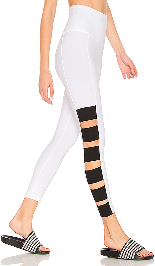 Beyond Yoga Wide Band Stacked Capri Legging in White. - size L (also in M)