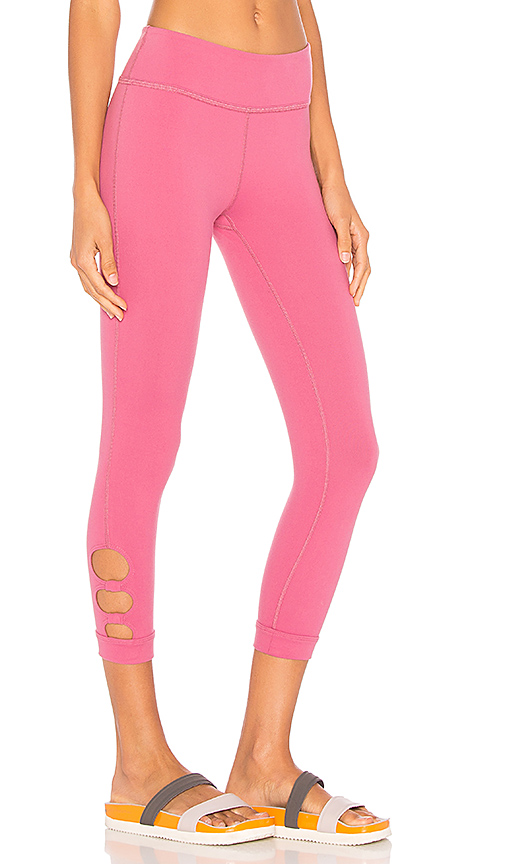 Beyond Yoga Full Circle Cut Out Capri Legging in Pink. - size L (also in M)