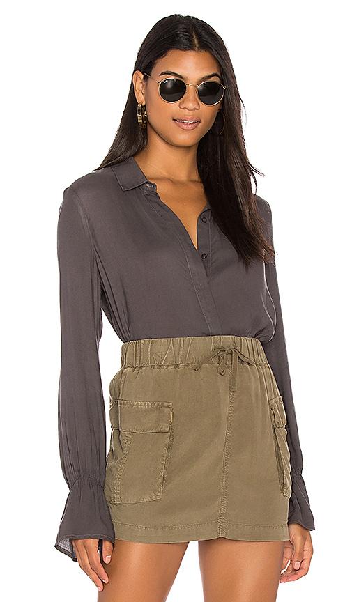 Bella Dahl Ruffled Back Collared Shirt in Gray